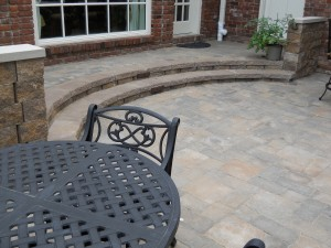 Rounded stair to patio