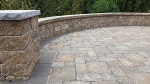 Rounded wall with courtyard patio